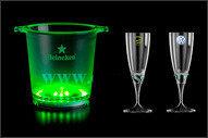 Champagnekoeler met groen licht